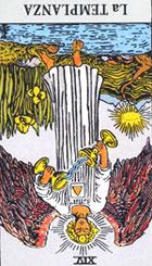 Los jarrones simbolizan moderaci�n y frugalidad. El vertido del l�quido desde el jarr�n superior, sostenido en la mano izquierda, al inferior, sujeto en la mano derecha, sin desperdiciar su contenido simboliza una gran disciplina y frugalidad. Expresa la serenidad del esp�ritu que sabr� levantarse por encima de las miserias humanas.  <br><br> Invertida: Puede darnos a entender que existen obst�culos en nuestro camino, puede ser una persona idealista que est� trabajando en un proyecto irrealizable y que tal vez sea bueno replantearlo.  Hostilidades, incomprensi�n mutua, soledad.